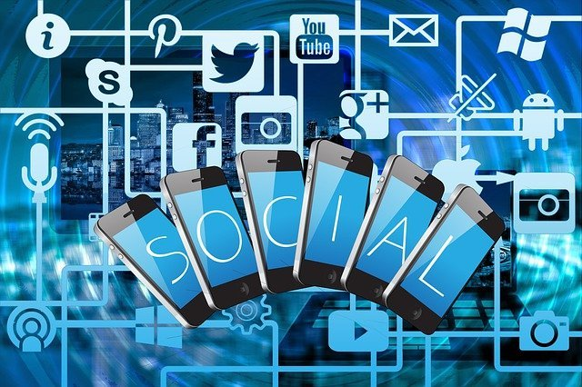 Become Familiar with the World of Social Media