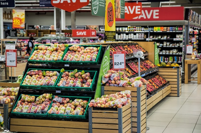 a grocery store set up with reail ai and retail iot sensors