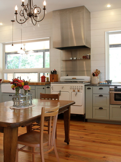 Shiplap-kitchen-and-old-fashioned-stove-oven-and-farmhouse-basin-sink