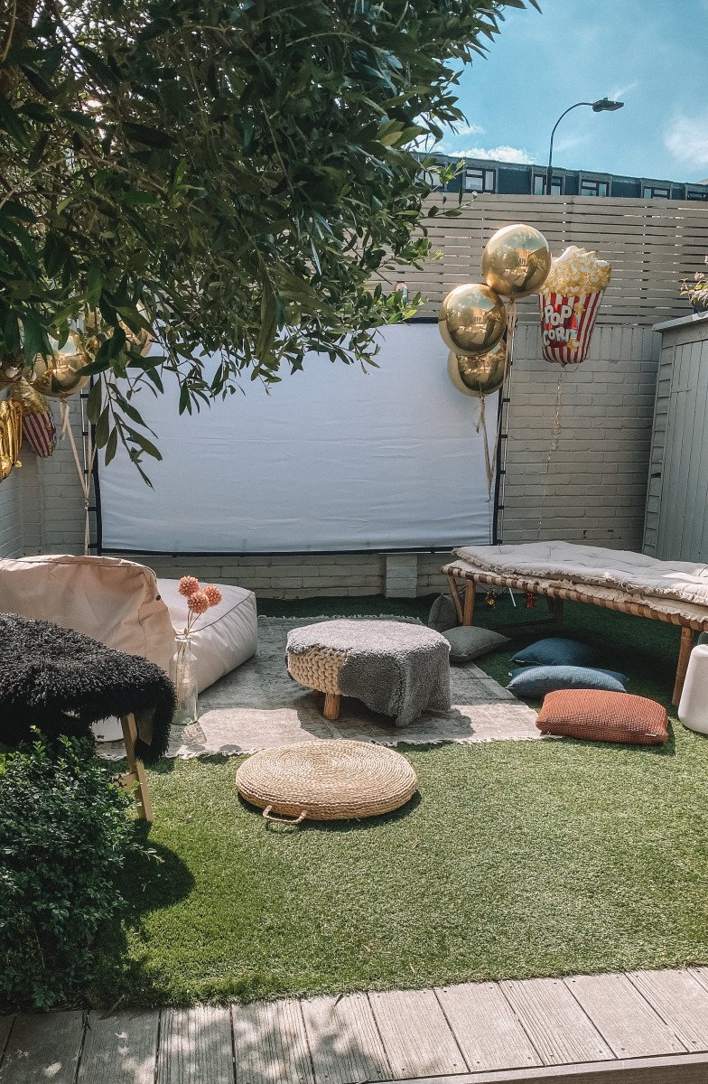 Outdoor Cinema Party in 6 Easy Steps