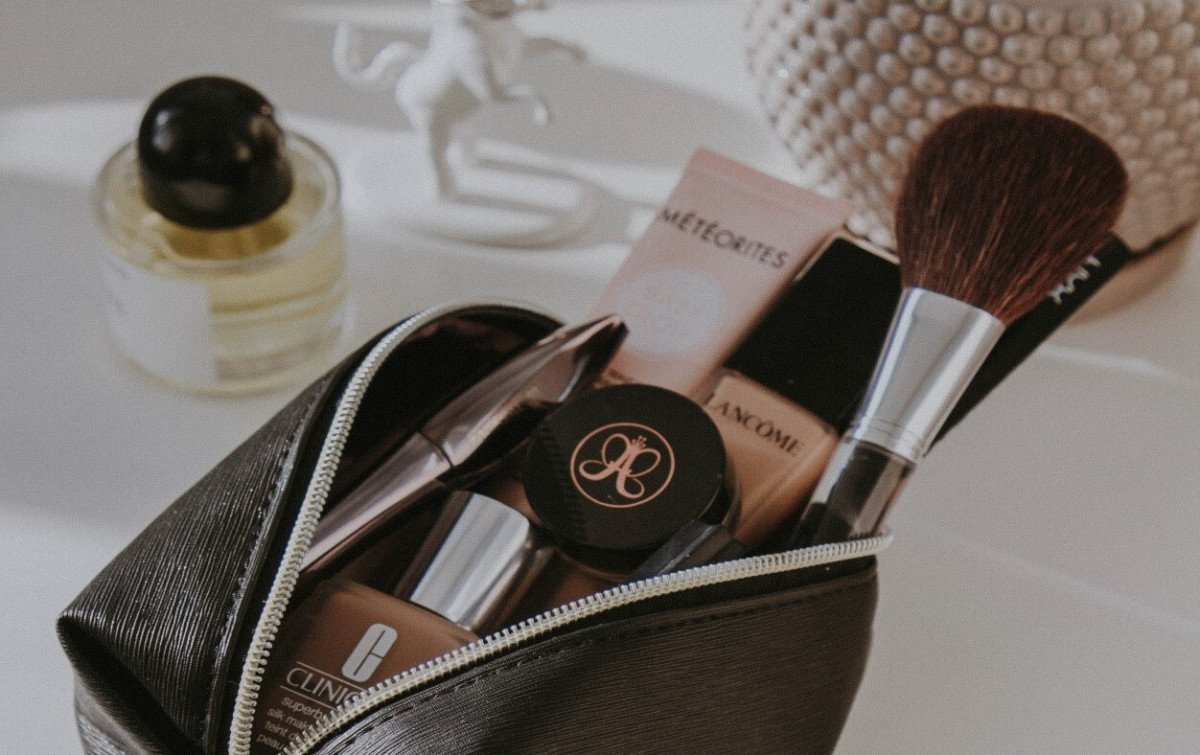 Designer Cosmetic Bags: Store Your Makeup the Right Way