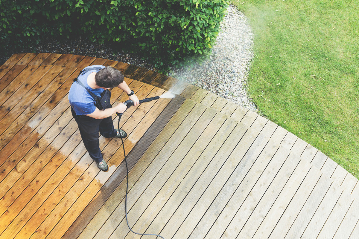 10+ Tips for Spring Cleaning the Patio