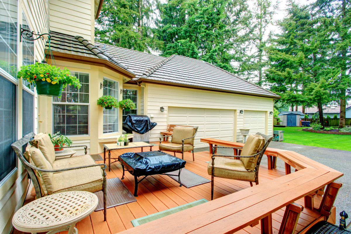 Does Your Deck Need to Be Refinished?