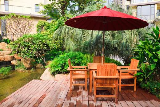How to Protect Your Wood Patio Furniture From Sun Damage