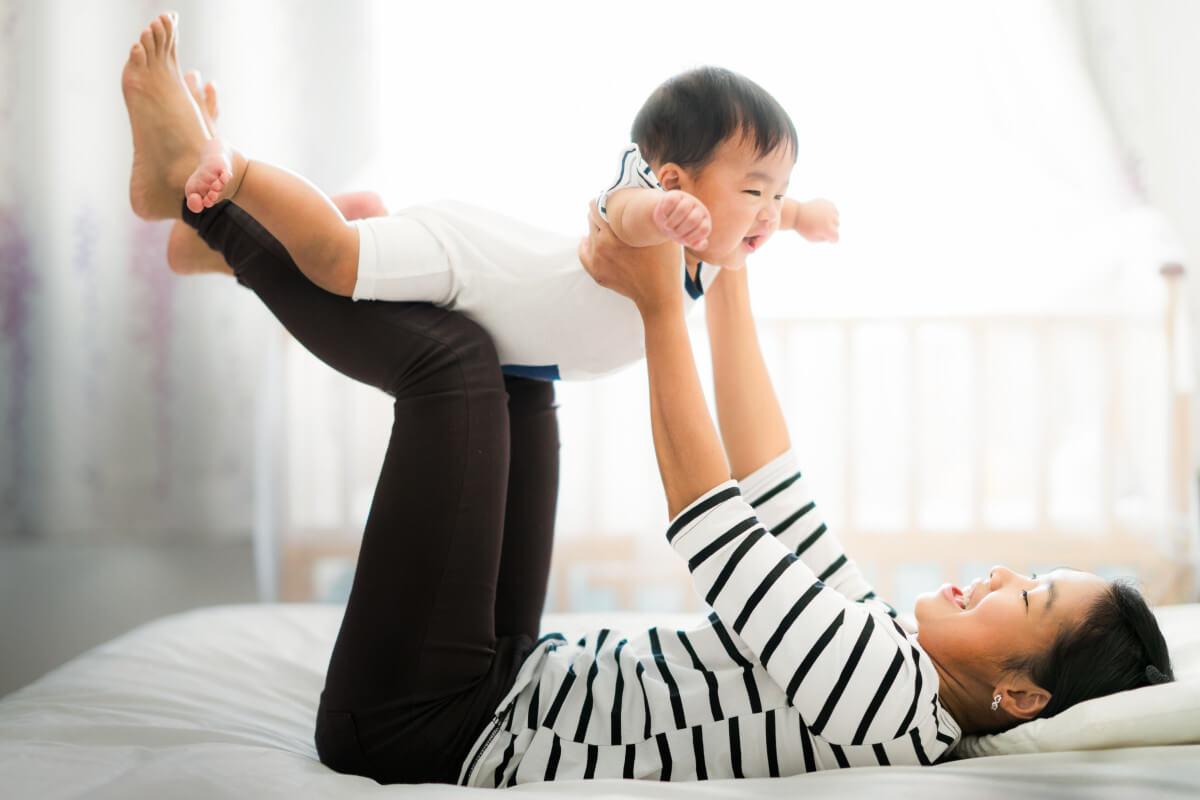 "Postpartum Symptoms: Understanding the ""Fourth Trimester"""