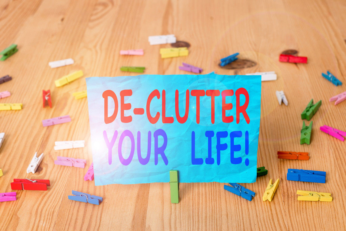 Know When to Let Go: The 15 Minute Sweep To Clear Kitchen Clutter