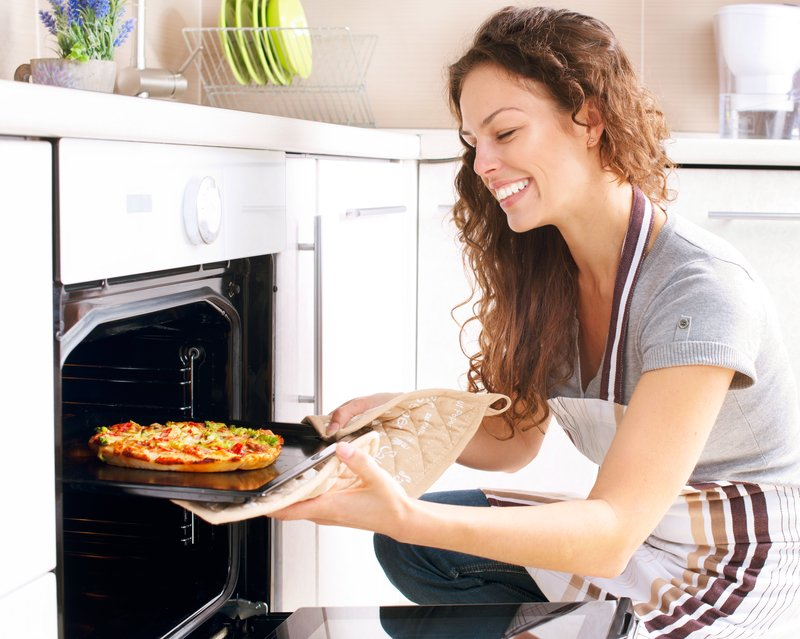 Happy Cooks Make Better Meals:  5 Tips For Minimizing Cooking Frustration