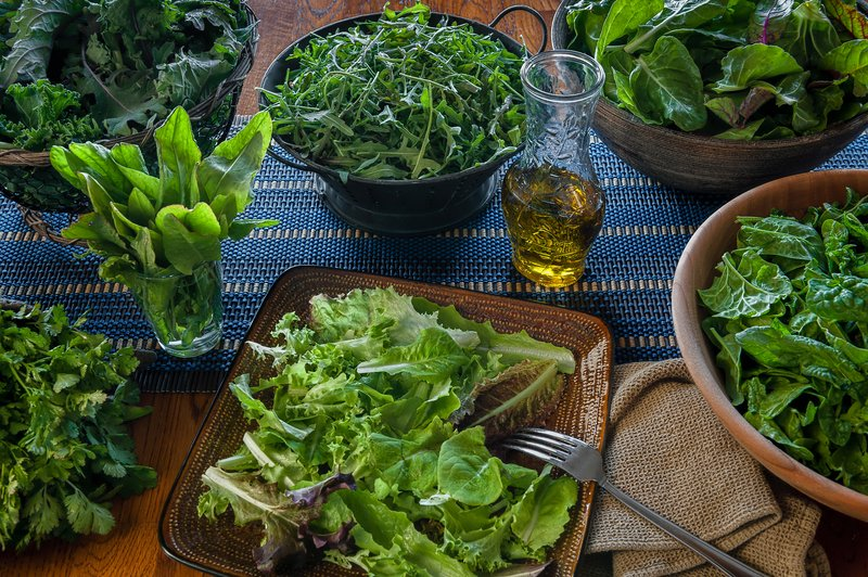 Greens Nutrition Guide: The 7 Choicest Leafy Greens