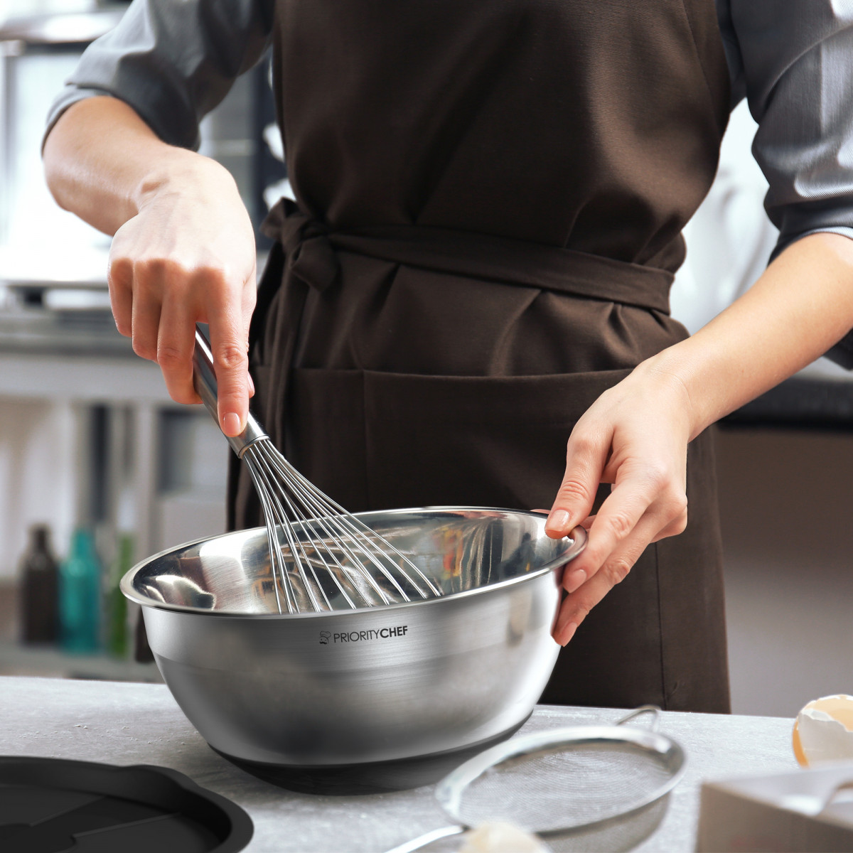 Stainless Steel Vs. Glass Mixing Bowls: The Pros & Cons