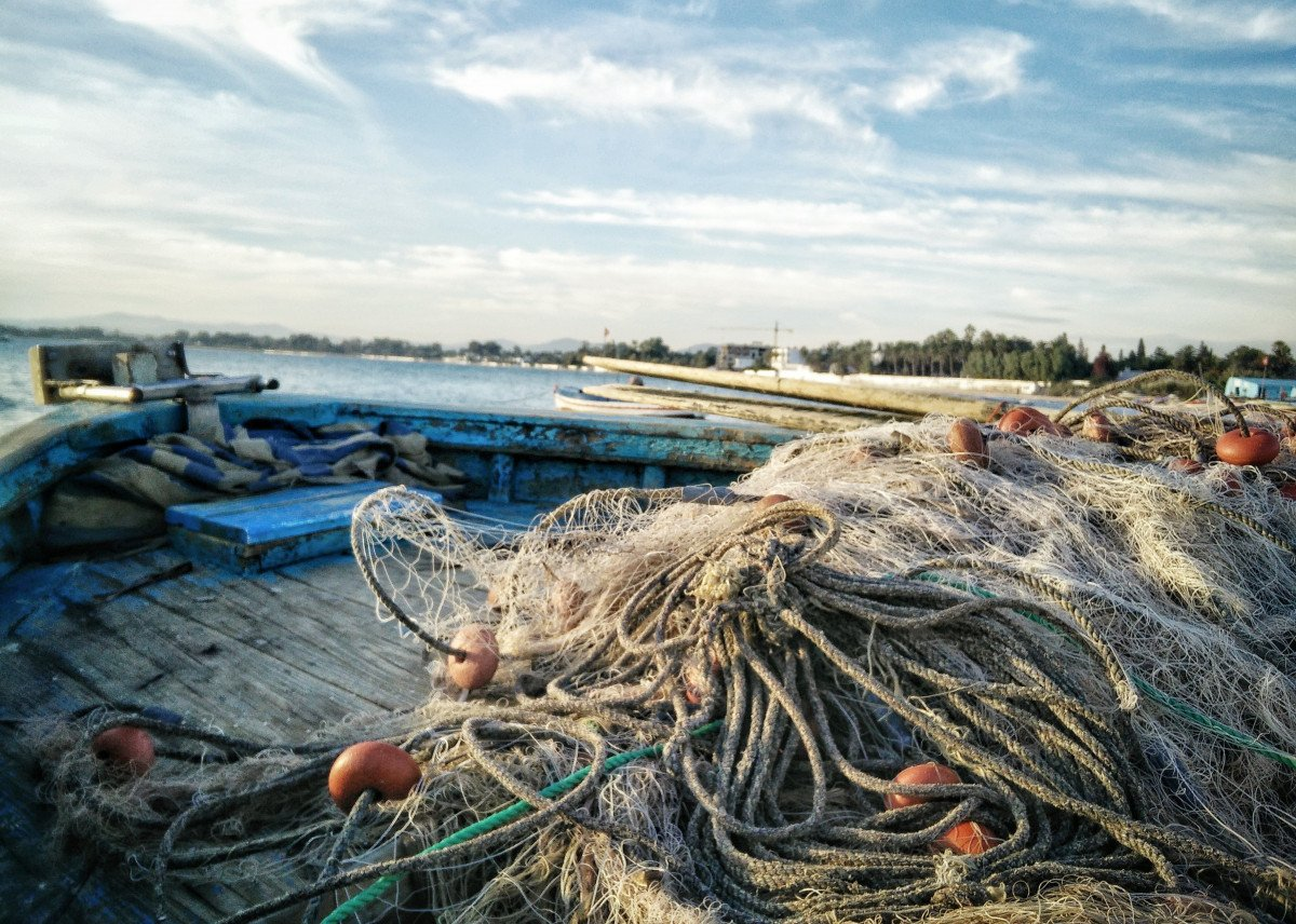 fishing_nets_in_blue_boat_recycled_plastic