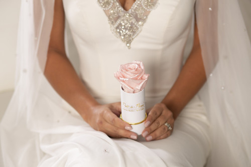 Make Your Wedding Unforgettable With Eternal Roses That Last