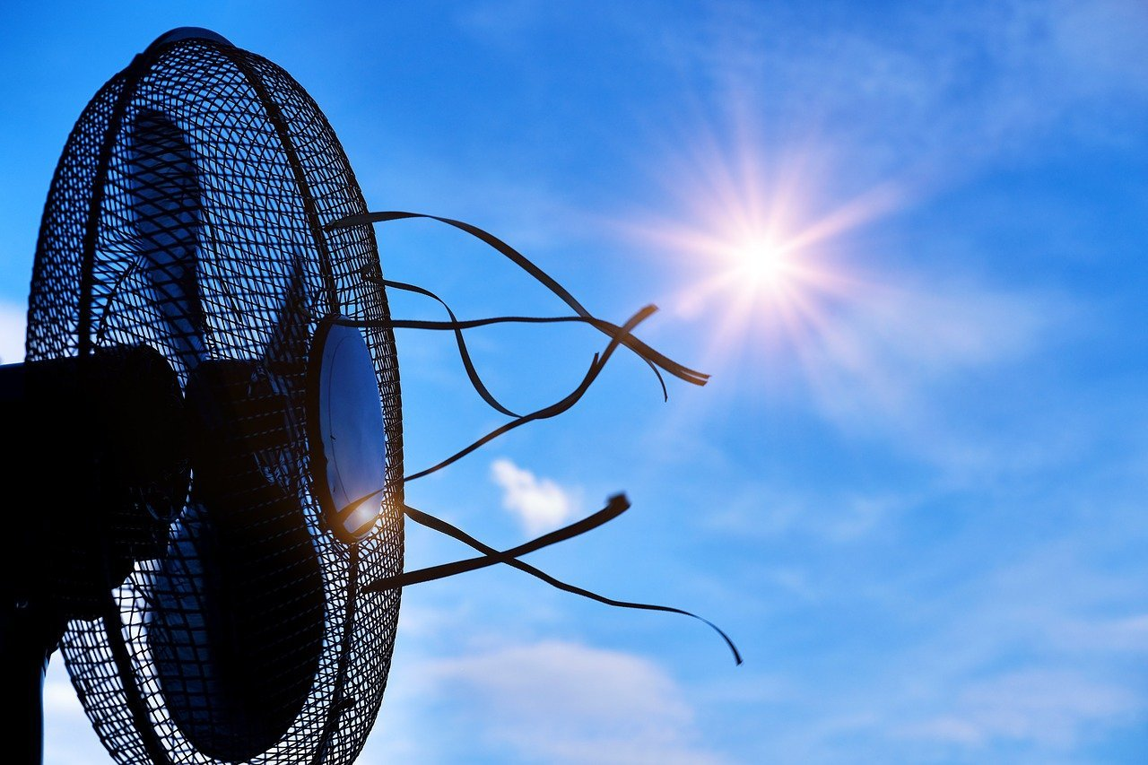 Tips to Survive a Hot Summer Night Without AC