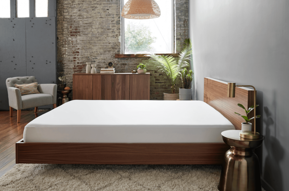Guide to Mattress Toppers & Mattress Pads: What's the Difference?
