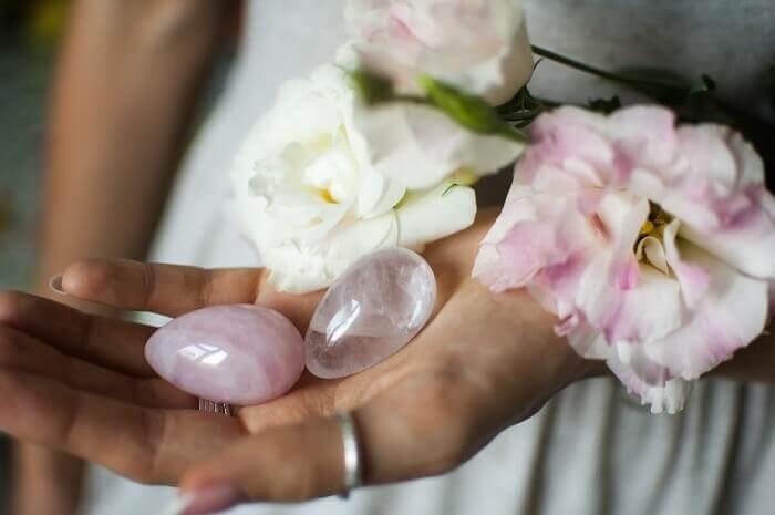 Le quartz rose, le cristal de l'amour et de la féminité