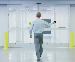 Mobile Access Control Lets Staff Use Smartphones for Access