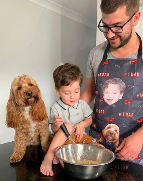 funny aprons for dad with kid