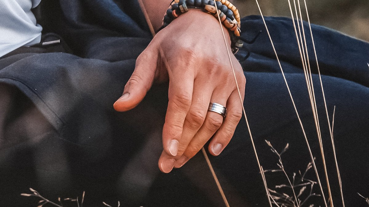 Why Is Platinum Male Jewellery A Great Choice For Your Guy?