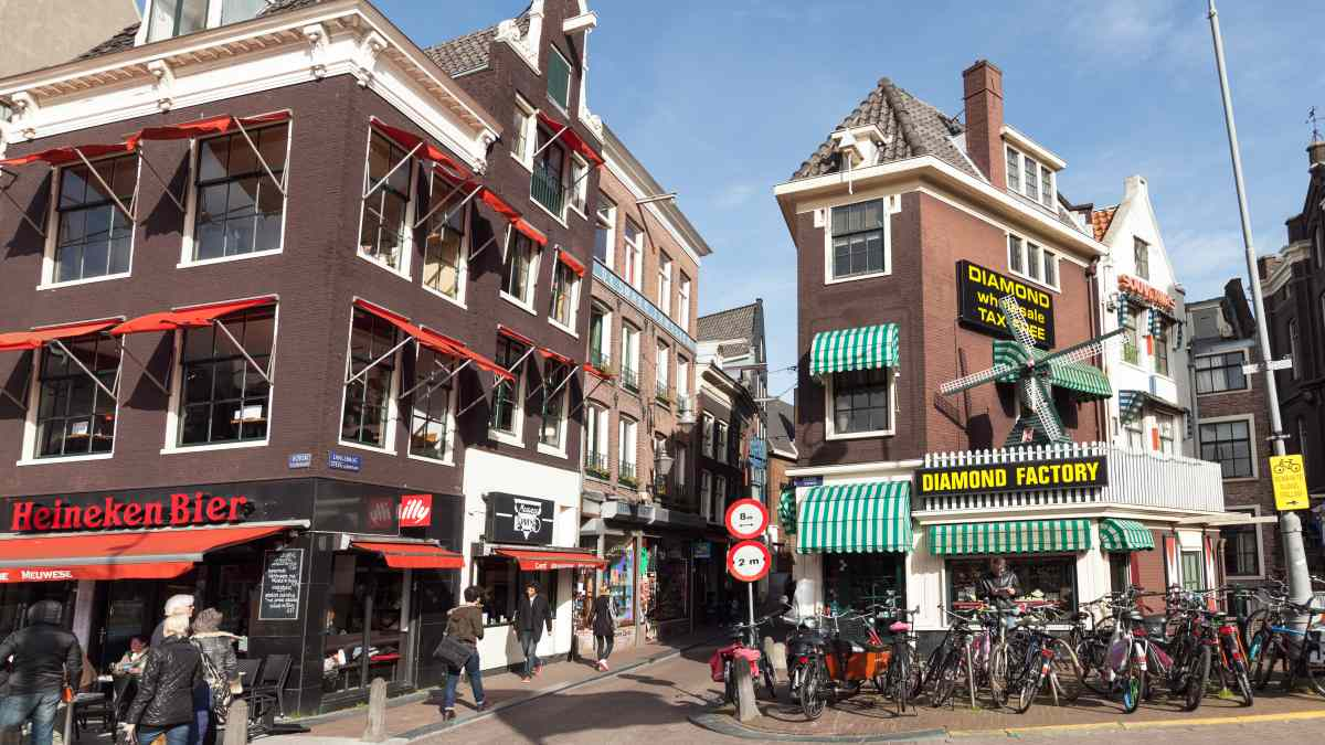 Amsterdam For Diamonds And Tourism