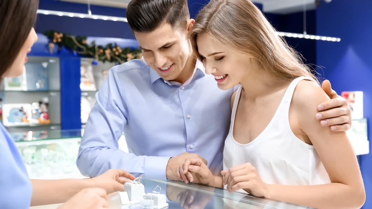 How To Buy A Diamond Engagement Ring On A Budget