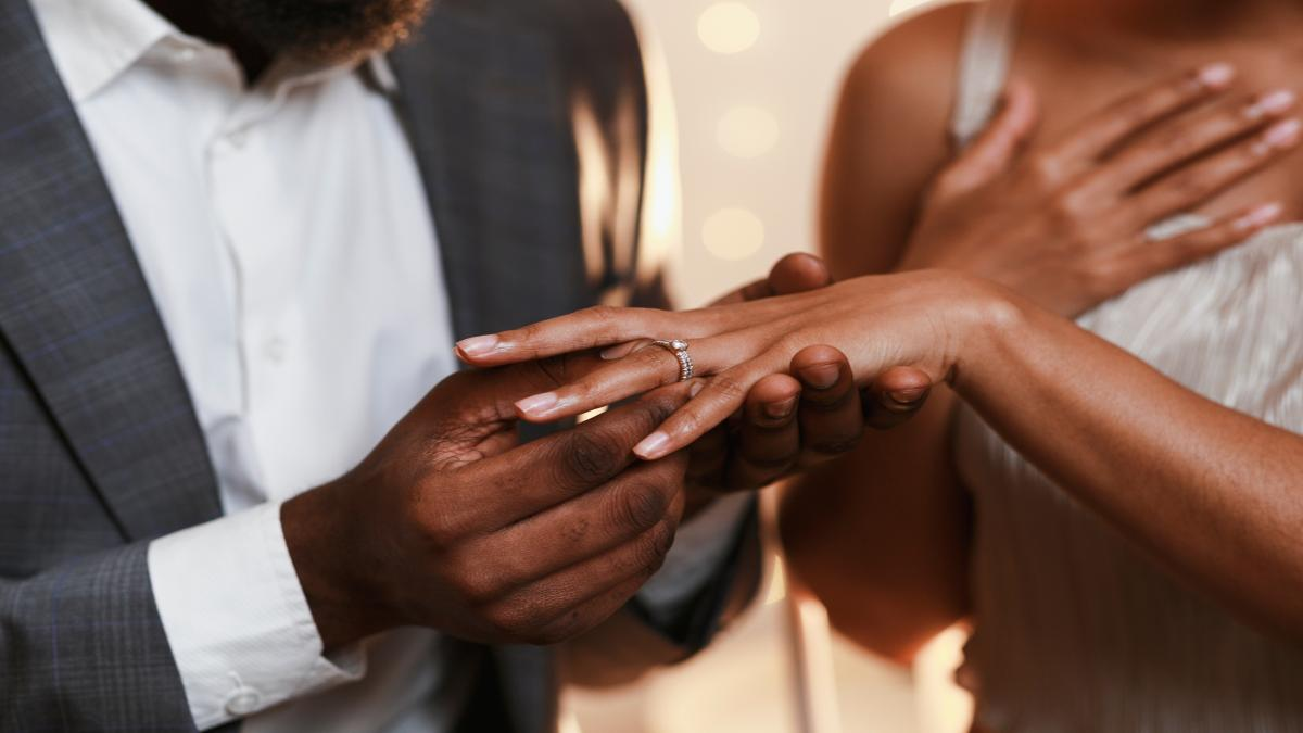 Her Diamond Engagement Ring: Should Couples Shop Together?