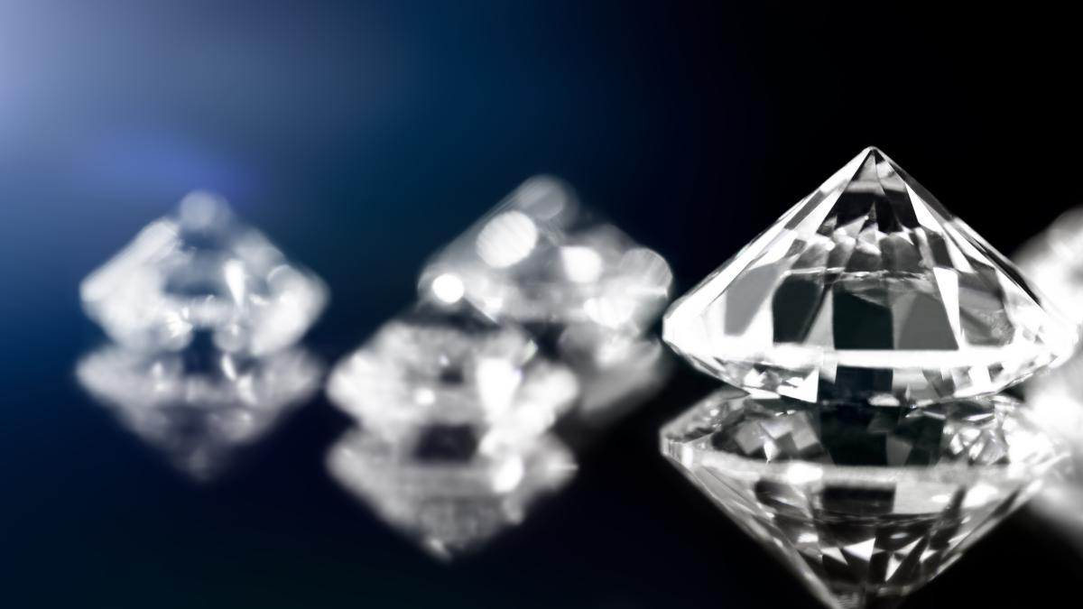 How Eye Clean Diamonds Can Save You Lots Of Money!