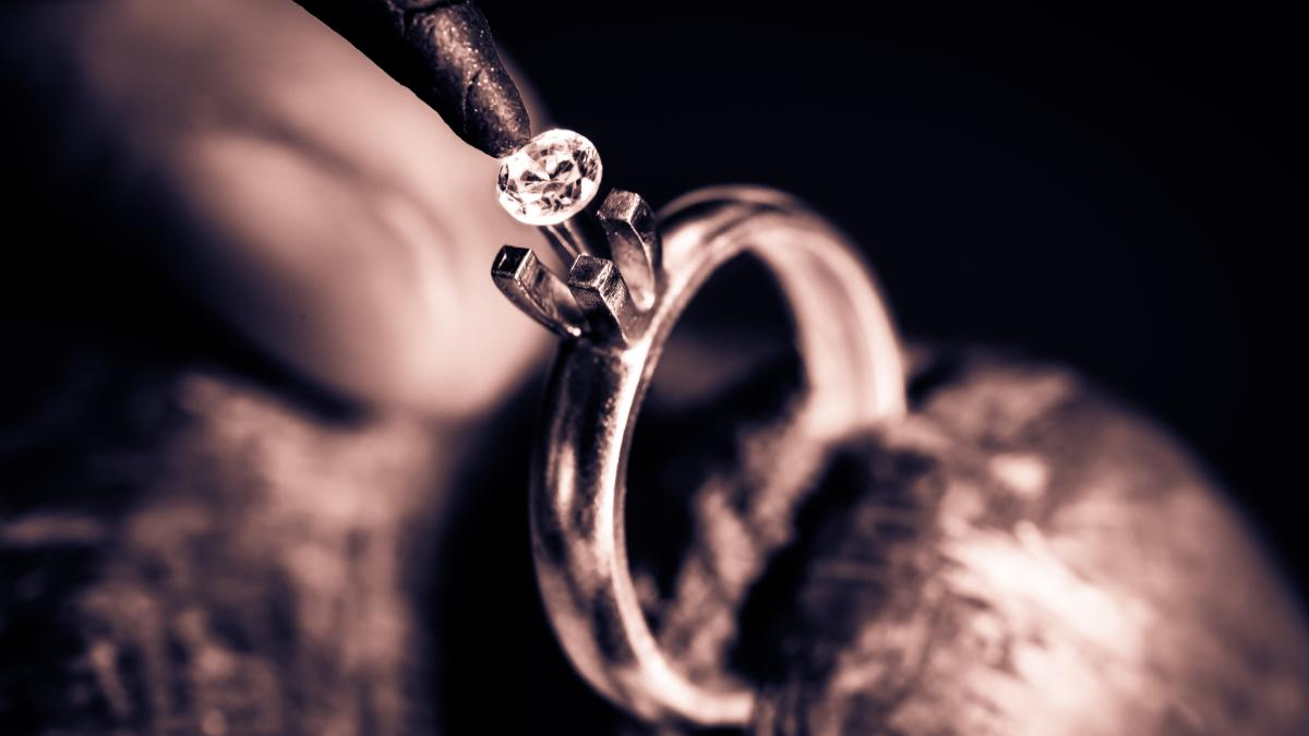 How Are Diamond Rings Made?