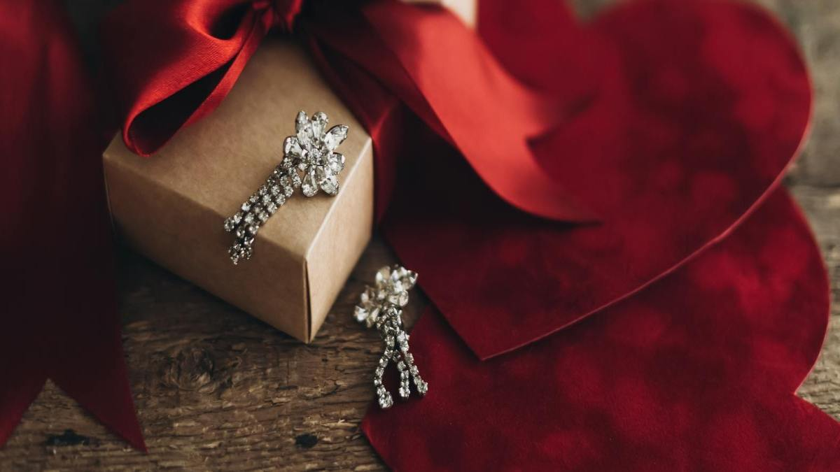 Diamond Jewellery - Ideal Mother's Day Gift