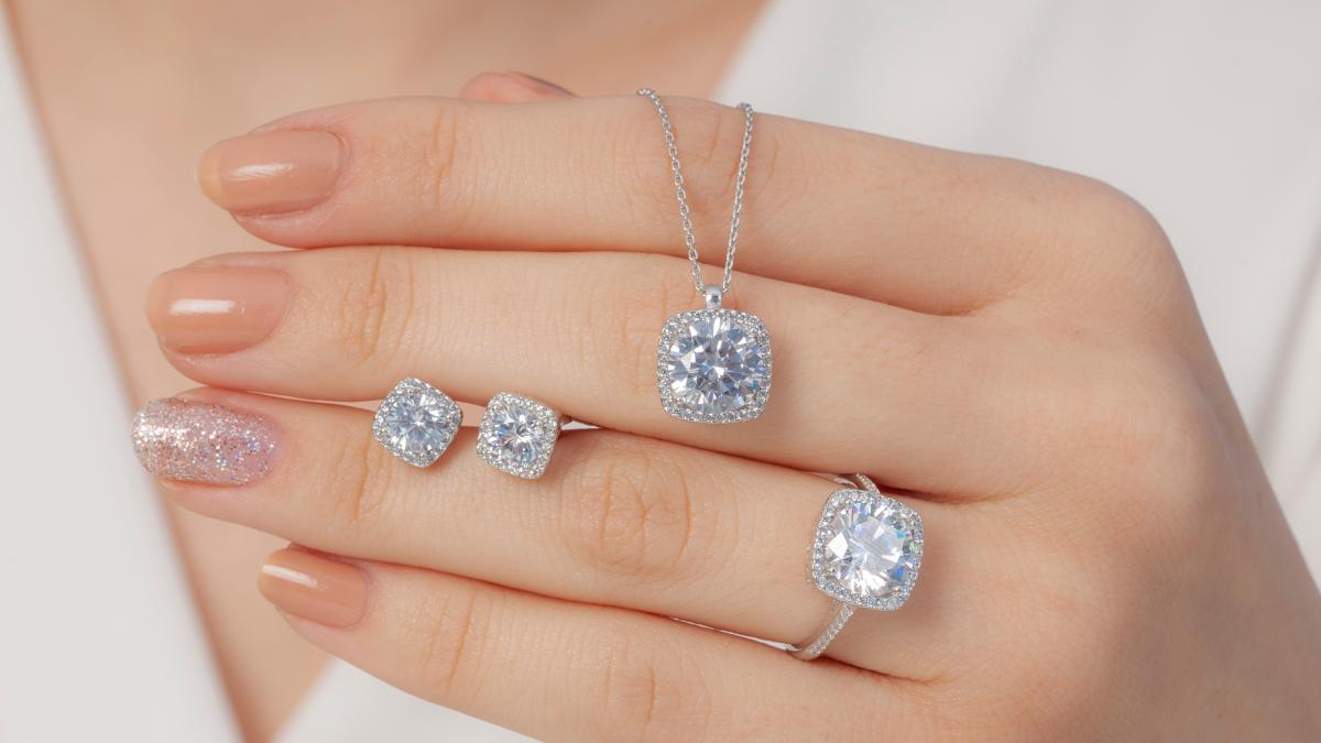 Your Guide To Square Shaped Diamonds