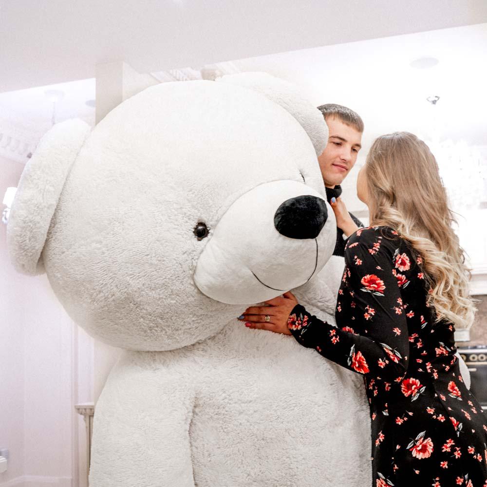 Is a Teddy bear a good gift for a girl?