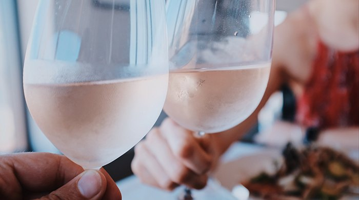 Are the Health Benefits of Rose Wine Worth Switching?