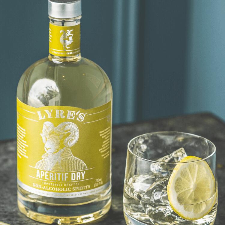 lyre's non alcoholic aperitif vermouth alternative