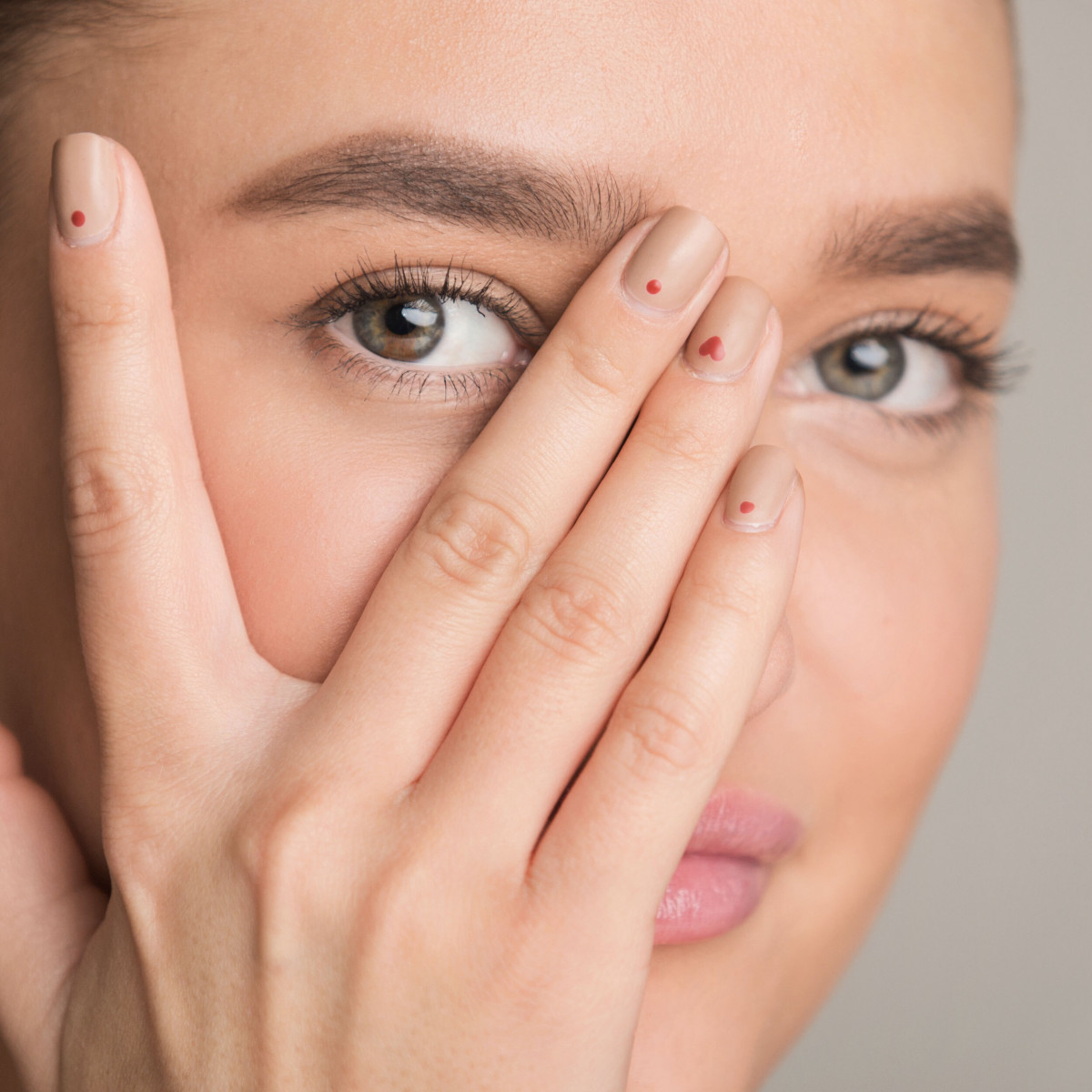 3 Ingredients to Avoid Around Your Eyes