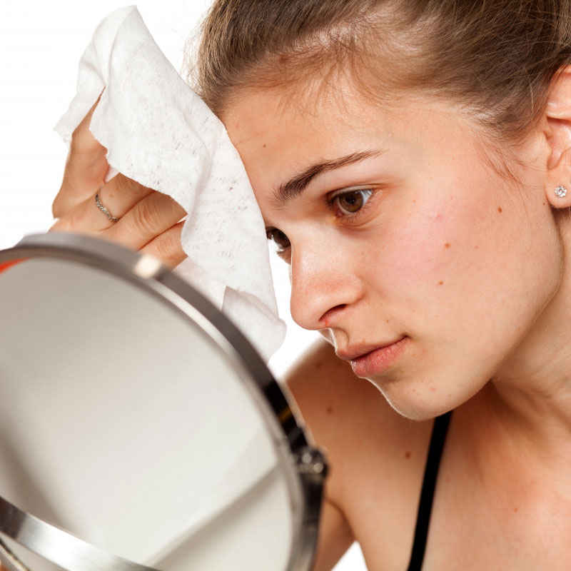 4 Skincare Bad Habits To Avoid For Clear Skin