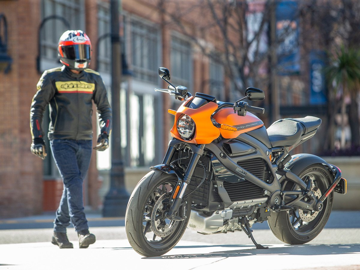 10 Best Automatic Motorcycles for Newer Riders (2021)