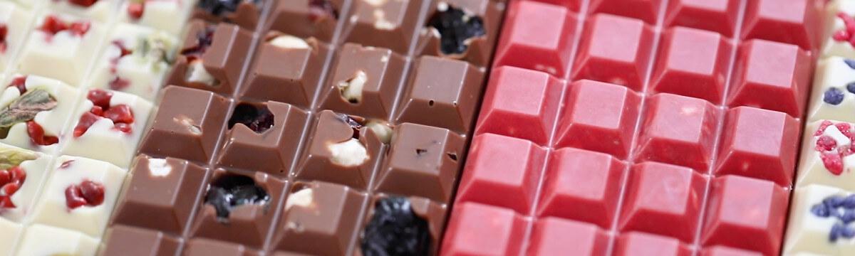 Adding texture to chocolate