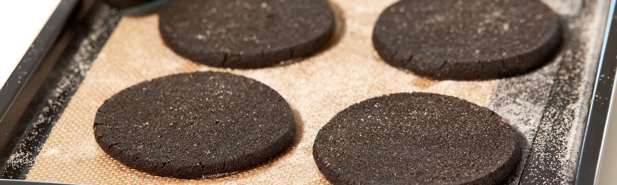 Carbon black shortbread