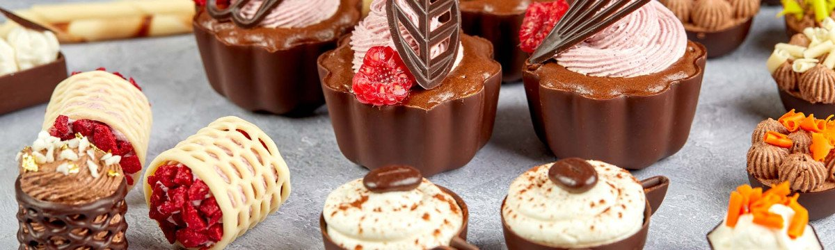 New chocolate cups and décor