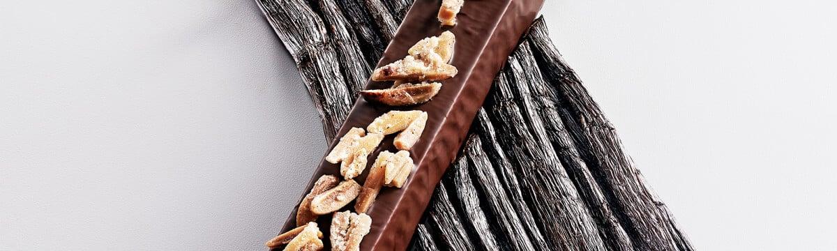 Valencian almond praliné & vanilla snack bar