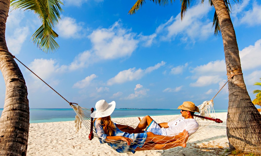 5 Best Portable Beach Hammocks for Vacationers in 2021