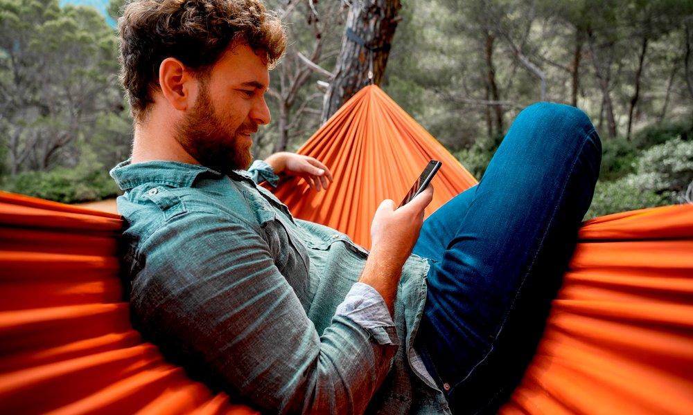 Looking to Buy a Hiking Hammock? Here's What Experts Suggest