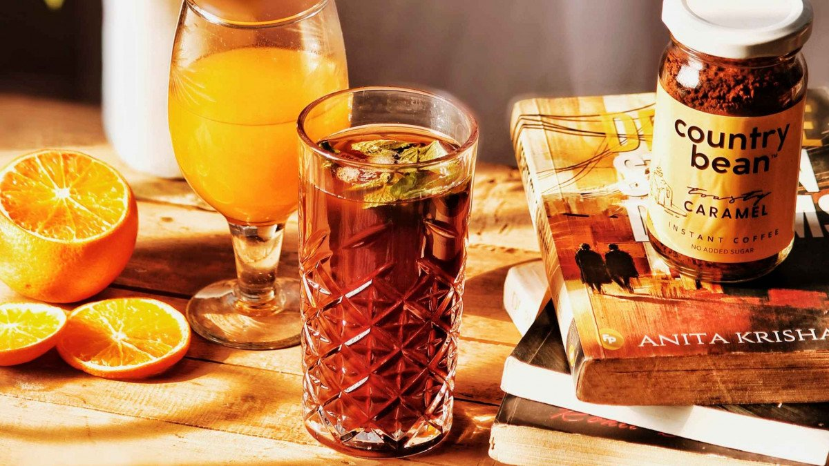 Quench your thirst with this Zesty Iced Americano