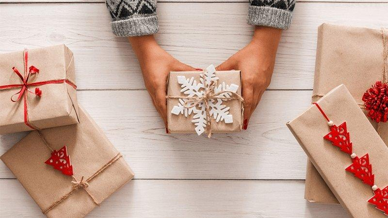 A Condolence Gift Guide for Grieving Friends