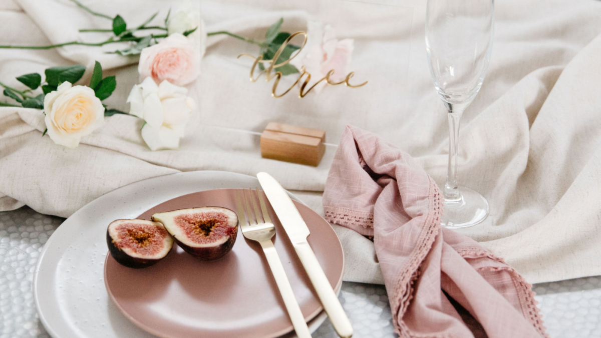 Why You a Need Rose Gold Theme at Your Wedding
