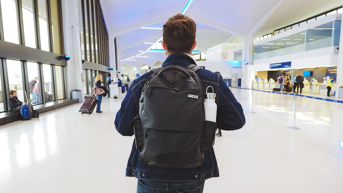 HOW TO PACK FOR THE AIRPORT | THE RIDGE
