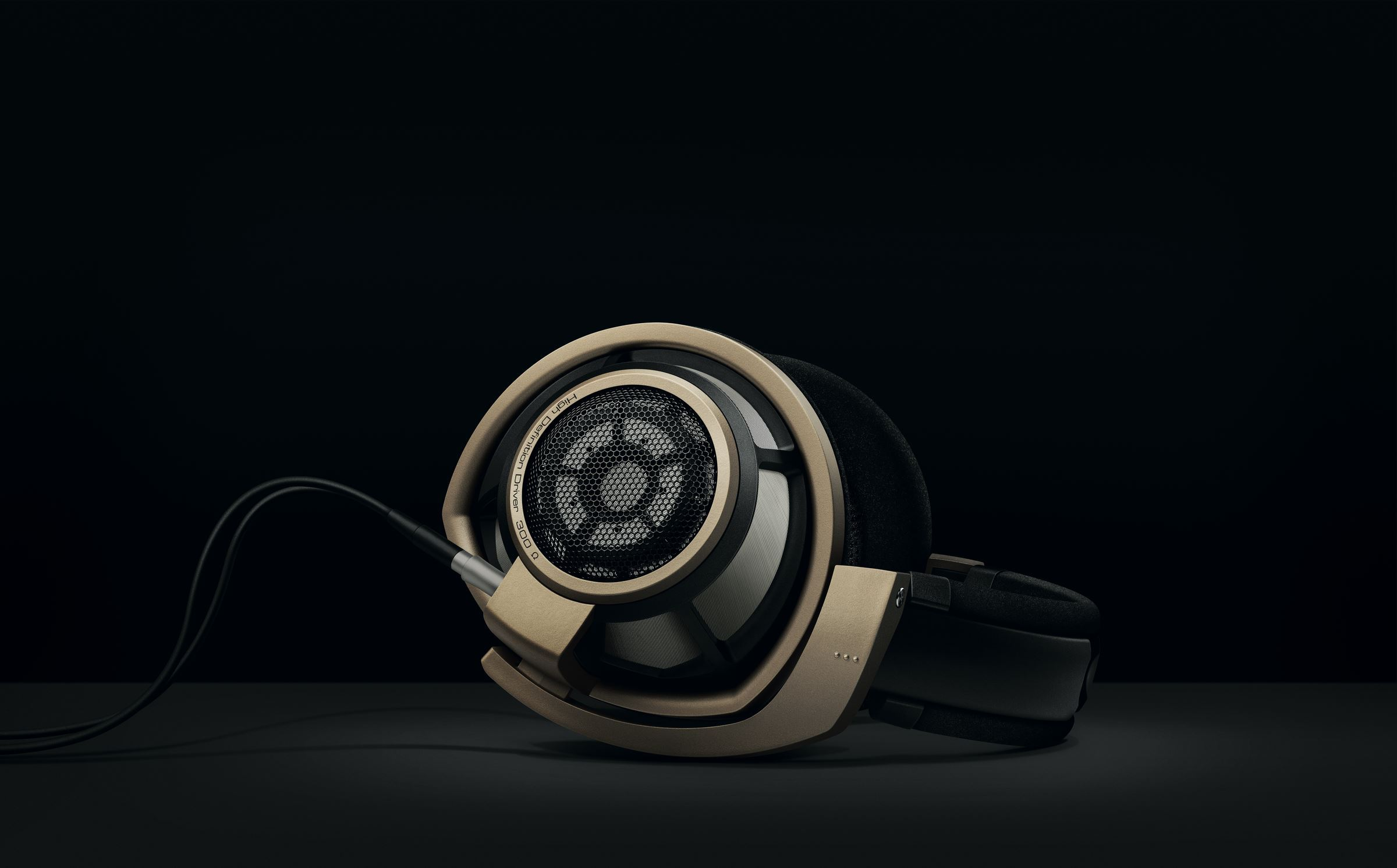 Sennheiser releases special Anniversary Edition of acclaimed HD 800 S headphones