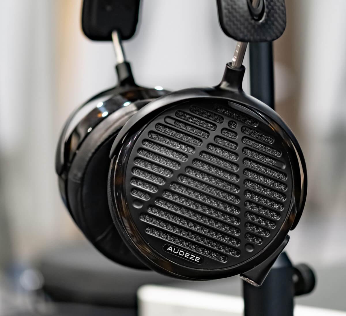 Audeze LCD-5 | Headphones.com