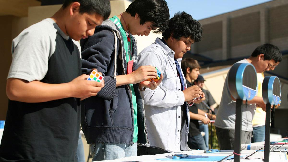 Find Rubik's cube competitions | Intro to WCA Competitions