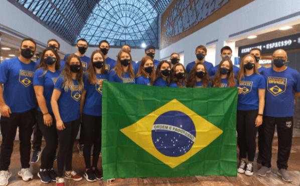 Atletas do Sul competem no Mundial de Punhobol com a proteção de máscaras KNIT