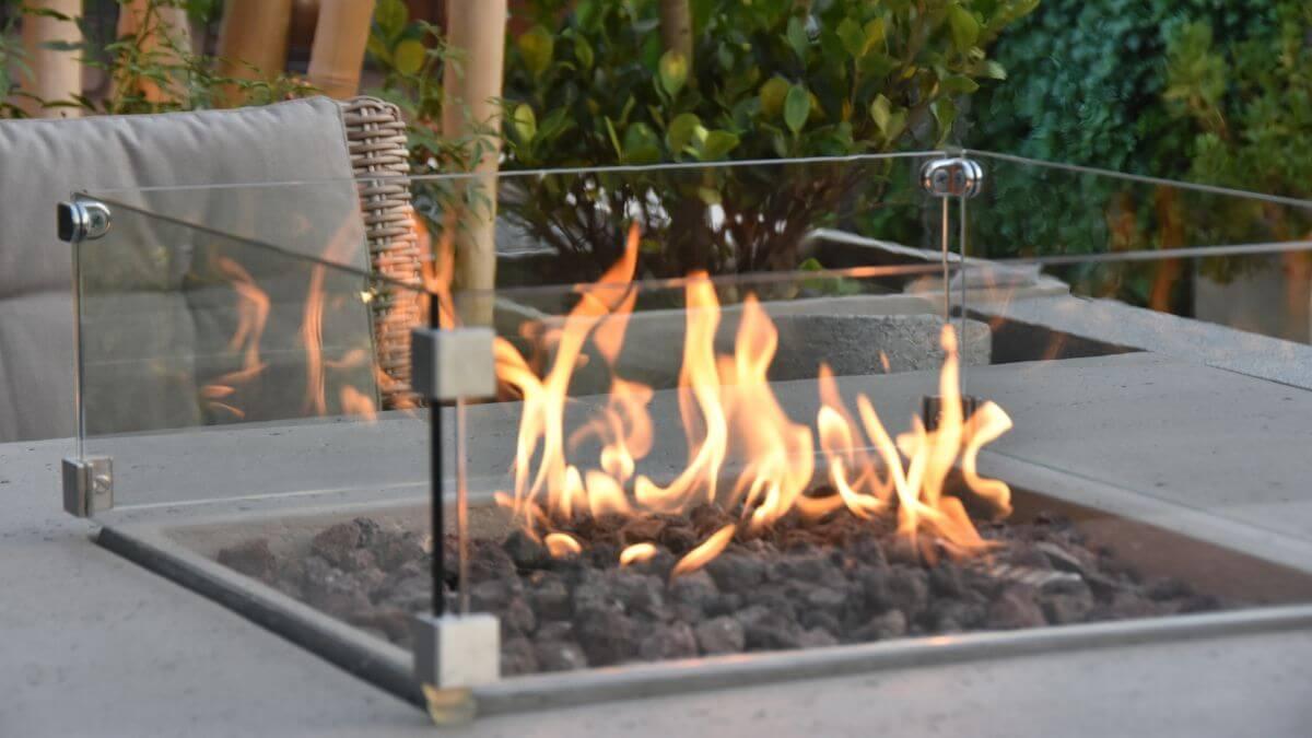 Natural Gas Fire Pits vs Propane Fire Pits