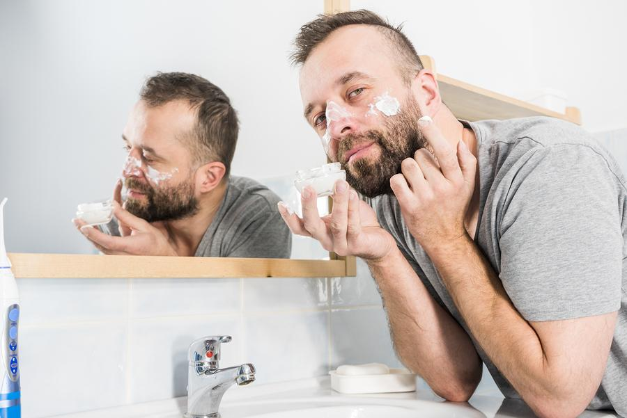 Save Your Skin And Learn How To Moisturize Like A Man